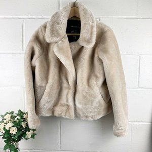 Who What Wear Faux Fur Cream Jacket Size Medium